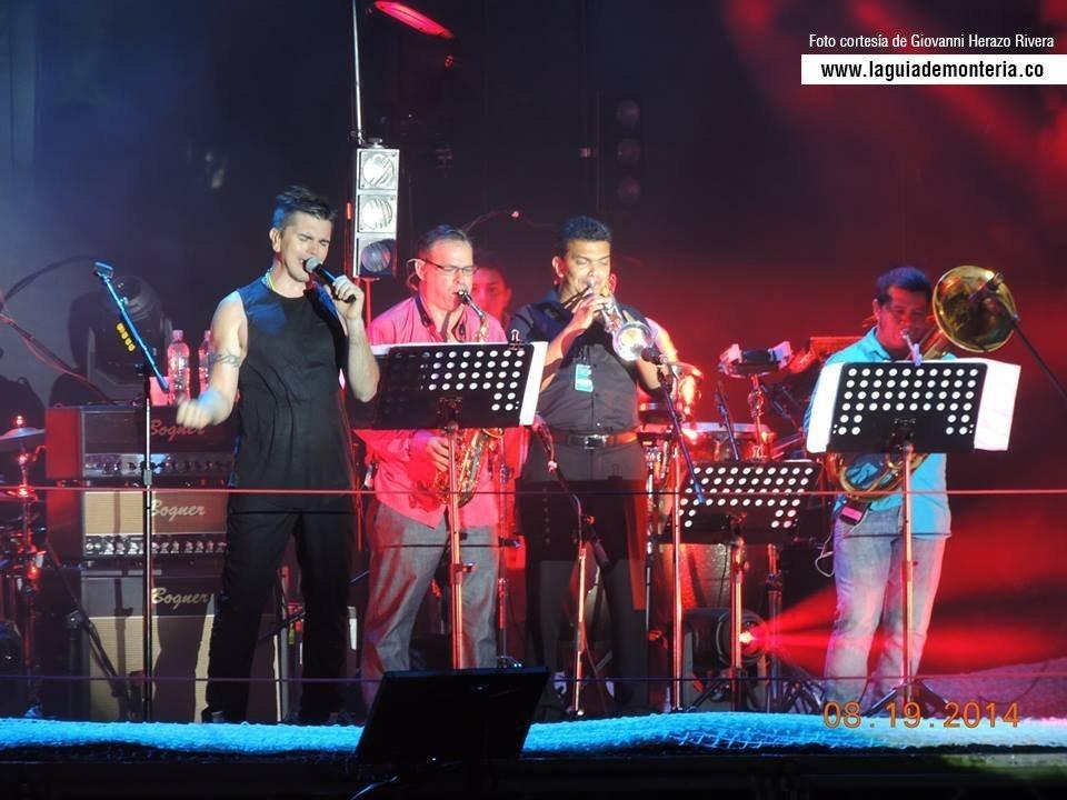 Julio Castillo, Juanes y martina la peligrosa