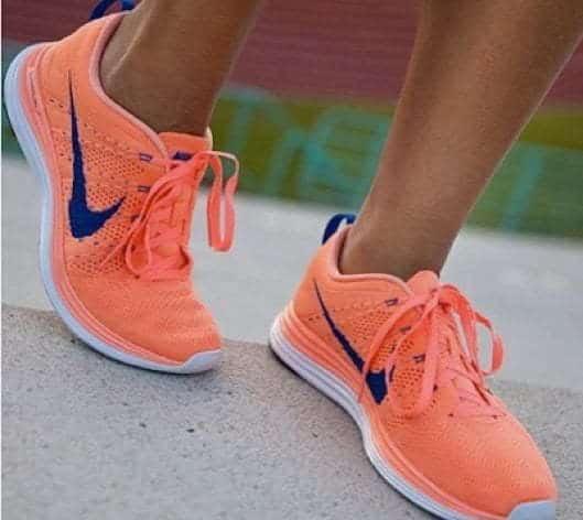 Zapatillas-deportivas--Ya-sea-para-ir-cómoda-y-usar-con-tus-jeans