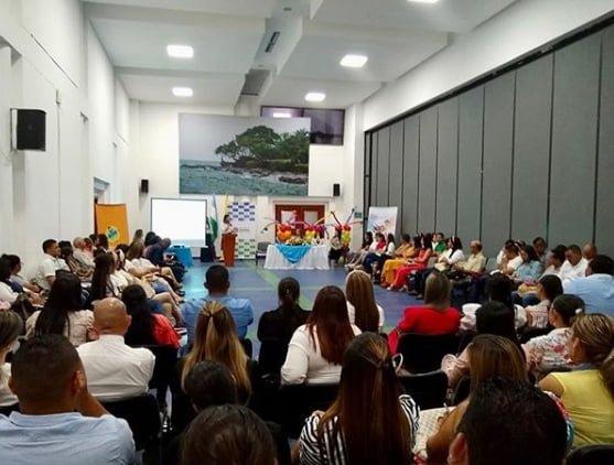 """Lanzan programa """"La Brújula"""" en Córdoba"""