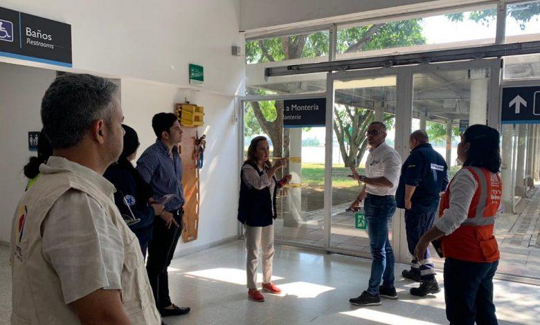 Controles en aeropuerto y terminal de transportes en Montería