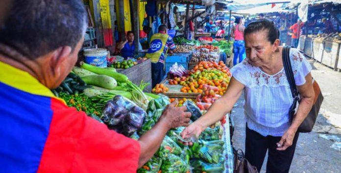Expiden decreto para controlar acumulación y costo de alimentos