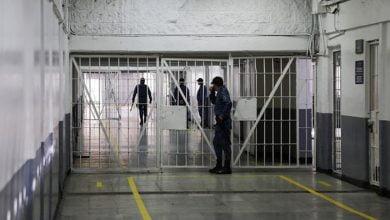 Gobierno decreta casa por cárcel a algunos internos