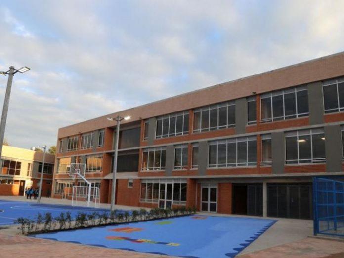 MinEducación evalúa protocolos para reapertura de colegios