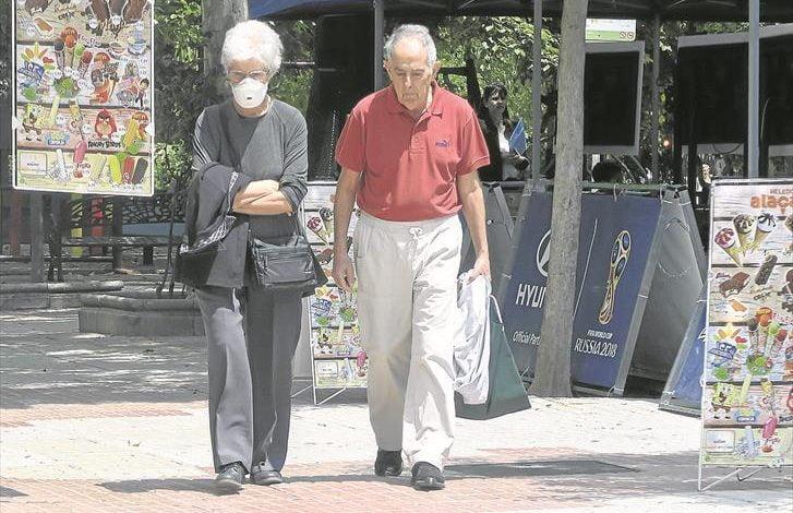 Estas son las condiciones para que adultos mayores puedan salir