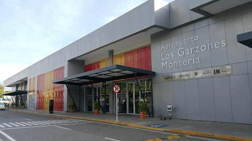 Gobernador de Córdoba pide que se aplace reapertura de aeropuerto