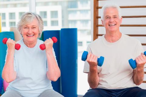 Ejercicios fáciles para los adultos mayores
