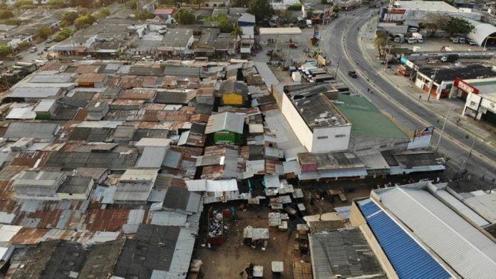 Realizan apertura gradual de vías de acceso al Mercado del Sur