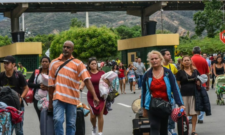 Lanzan permiso especial de permanencia para venezolanos