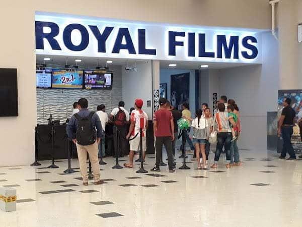 Cartelera de cine de Royal Films en Montería