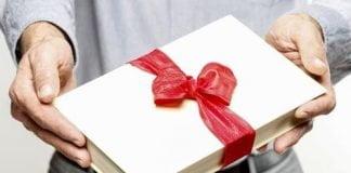 Compra y regala un libro en Navidad
