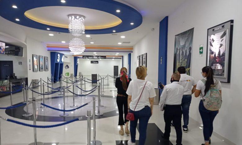 Equipo GEVI visitó royal films para reapertura hoy