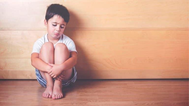 ¿Cómo reconocer el comportamiento suicida en los niños?