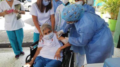 Inició en Montería la vacunación de la población mayor de 80 años